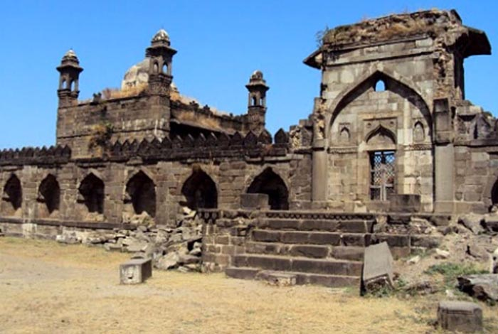 Image result for Sitabuldi Fort nagpur